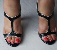 sandale / nu pied / escarpin verni noir et blanc , 37 , état neuf