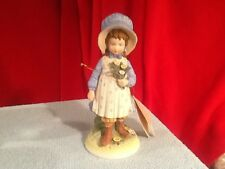 1973 Holly Hobbie Creations Girl Holding Flowers Figurine Bisque Hhf-2