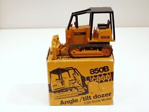 Case 850B Dozer - o/c o/d - 1/35 - NZG #176 - MIB