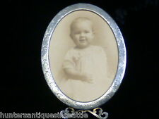 Lovely Oval 1915 Sterling Silver Etched Floral Pattern Picture Frame