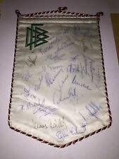 28x handsigned WIMPEL/pennnant DFB-Amateur-Nationalmannschaft ca.'75! Autogramme