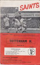 Programme / Programma Southampton FC v Tottenham Hotspur 23-11-1968 incl. F.L.R.