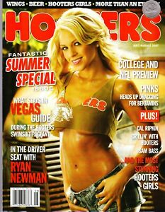 """2007 HOOTERS 145 Page Hooters Girls MAGAZINE. """"Summer Special""""; NFL/College Pred"""