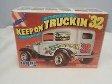 KEEP ON TRUCKIN 1932 FORD DELIVERY VAN MPC 1:25 SCALE VINTAGE PLASTIC MODEL KIT
