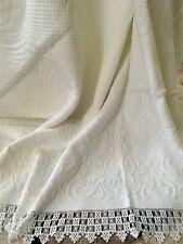Ancienne Couverture en Piqué de coton gaufré Brodée main XIXe -  1871/96-7
