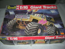 1/16 giant Tracks Chevy Blazer  monster truck  REVELL