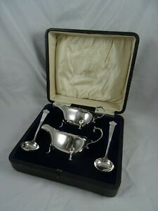 BOXED pair, sterling silver SAUCE BOATS & LADLES, 1916, 224gm