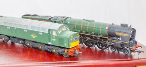 Bachmann 30-090, OO Gauge, L/E Anniversaty set A1 'Sir Walter Scot' & Class 40