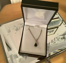 """9CT GOLD & SAPPHIRE NECKLACE /  PENDANT WITH 18"""" CHAIN"""