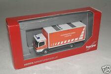"""Herpa 1:87 H0  049481 MB Atego ´04 Koffer-LKW """"Feuerwehr Essen"""" OVP (E6389)"""