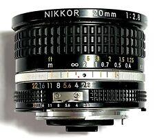 Nikon NIKKOR AI-S 20mm f2, 8 messa a fuoco manuale