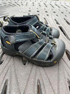 KEEN Toddler Size 7 Boy Shoes Sandals Black Blue