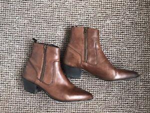 Vintage 70s Cuban Heel Brown Chelsea Winklepicker Boots