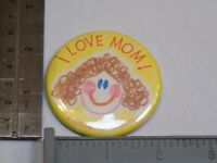 I Love Mom 1976 Hallmark Cards Mother Pin Vintage Old Metal Button Round Pinback