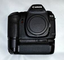 Canon EOS 5D Mark II 21.1MP Digital SLR Camera - Black (Body and Battery Grip)