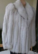 Elegant Fox Fur Coat & Leather Trimming in White/Gray, Great Condition Size M
