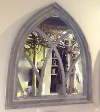 Spiegel als Fenster, Wandspiegel mit Holzrahmen, Spiegel in gothischer Form Grey