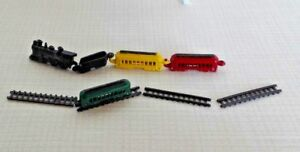 Dollhouse Miniature 9 piece Toy Train Set inc.straight  track, Engine & cars.
