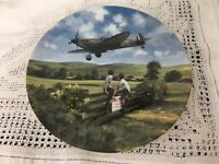 """ROYAL DOULTON 1993 DECORATIVE PLATE """"SPITFIRE COMING HOME"""" BY MICHAEL TURNER"""