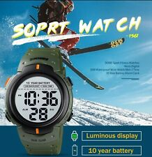 SKMEI 1561 LED Digitaluhr Wasserdichte Herren Sports Watch 10 Jahre Batterie