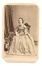 ANTIQUE CIVIL WAR ERA CDV PHOTO: WOMAN in CHAIR WEARING A LONG DRESS. c1860's