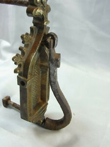 Ancien heurtoir porte bronze fer forgé gothique eglise 18eme