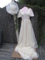 Vtg 70's Cream Ivory Wedding Gown Dress Train Chiffon Lace ILGWO w/ Hat Size 6