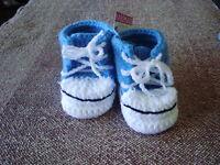 Crochet newborn baby booties Sneaker