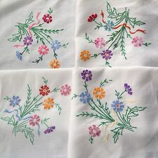 VINTAGE HAND EMBROIDERED OFF WHITE LINEN TABLE CLOTH 32X34 INCHES
