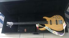 Carvin 4 strings bass guitar