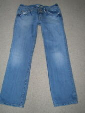 MISS ME RENO EYELET DOUBLE BUTTON TRIANGLE FLAP POCKET CROPPED CAPRIS JEANS 26