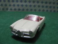 Vintage  -  ALFA ROMEO Giulietta Spider  - 1/43  Solido 106  serie 100