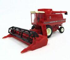 International Harvester 1460 Combine 1:64