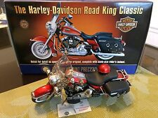 FRANKLIN MINT 1/10 ROAD KING CLASSIC Harley Davidson Motorcycle w. helmet & tag