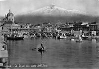 Cartolina Catania Porto con barche e Etna 1957