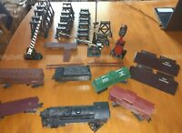 VINTAGE 1960's Mar Toys Lionel Mixed Train Set RAILROAD CROSSINGS GATES PIERS