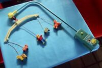 Ancien Mobile Fisher-Price toys 73.music box plays brahm's lullaby vintage