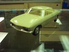 Amt 1/25 1966 Chevrolet Corvair Hardtop Lemonwood Yellow Very Nice Free Shipping