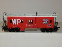 ATHEARN HO scale WESTERN PACIFIC #452 BAY WINDOW CABOOSE