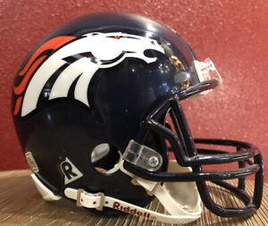 NFL Throwback Denver Broncos Riddell Mini  Football Helmet & Facemask