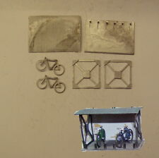 P&D Marsh OO Gauge PW216 Bike shed with 2 bikes kit requires painting