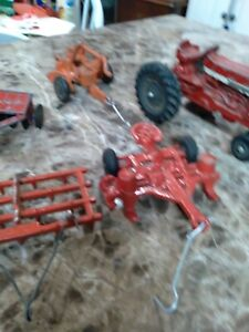 1/32 International 656 tractor and 4 cast implements