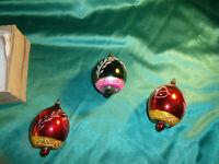 3 antike Christbaumkugeln Glas Glocken Oliven grün rot silber weiß Formteile alt