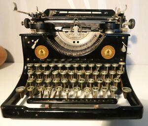Antike Schreibmaschine von Triumph Standard Schwarz Deko