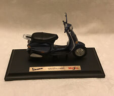 BOXED MAISTO 1:18 SCALE MODEL VESPA 125 ET4 (1996) SCOOTER No. 39540