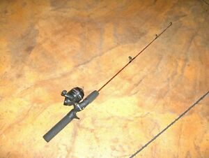 #1826 - Zebco Dock Demon Spinning Reel and Fishing Rod Combo, 30-Inch - Mini