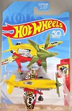 2018 Hot Wheels FRR91 HW DAREDEVILS 4/5 MAD PROPZ Plane Yellow/Red w/Green MW5Sp