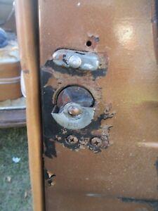 48 49 50 PACKARD 4 DOOR RIGHT PASSENGER FRONT DOOR LATCH LOCK ASSEMBLY