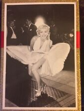 80s MARILYN MONROE POSTCARD 1954 Seven Year Itch skirt scene (Statics)