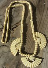 BEAUTIFUL HAND CARVED CHINESE VINTAGE DOMESTIC CATTLE BONE NECKLACE WITH FANS